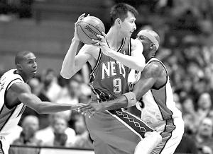 NBA常规赛 网队不敌勇士